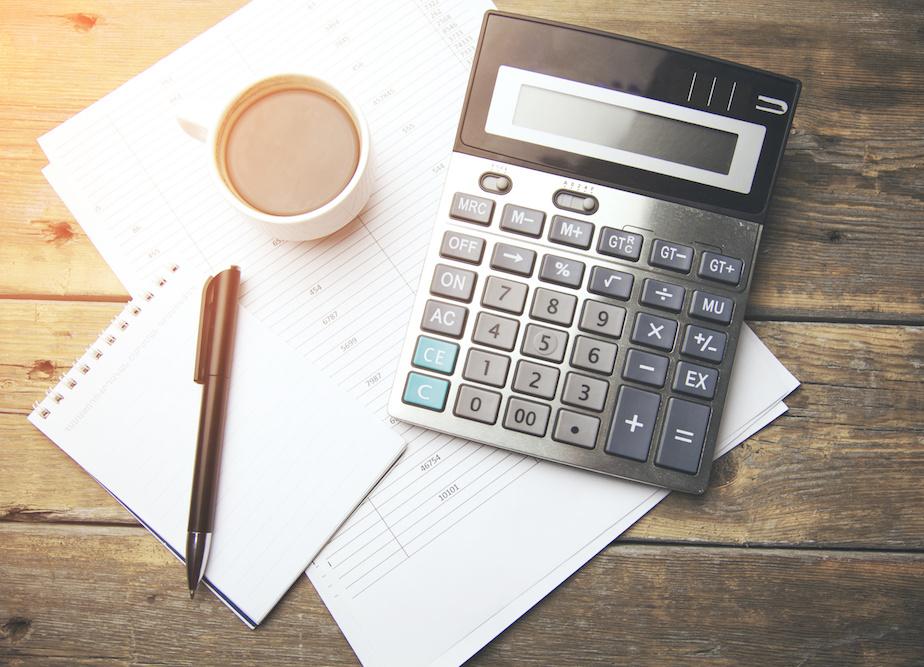 accountant-desk