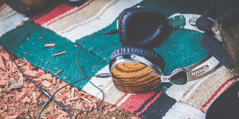 headphonesonbeach